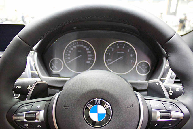 BMW320iMSportメーター画像
