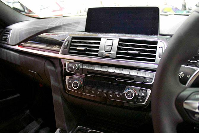 BMW320iMSportナビ画像