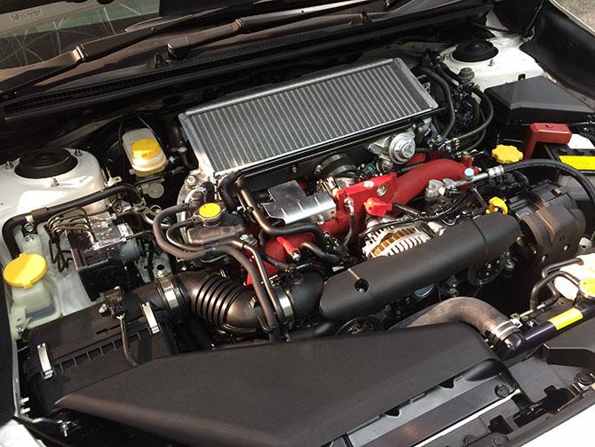 スバルWRXSTIエンジン画像