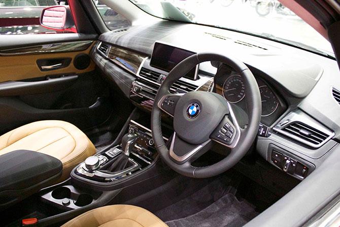 BMW218d内装画像