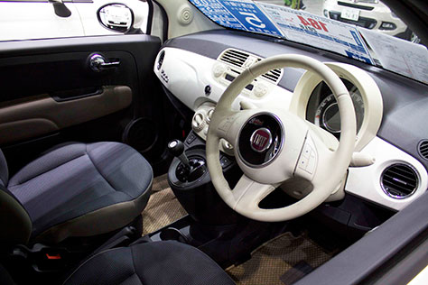 自動車内装画像