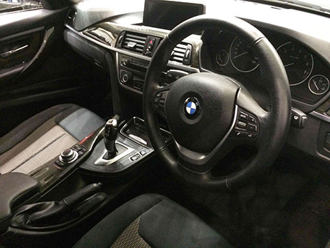 BMW320d内装画像