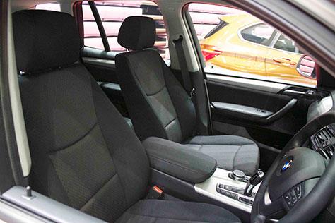 BMW X3 xDrive 20d シート画像