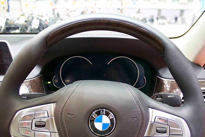 BMW740iメーター画像