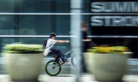 市街地の自転車