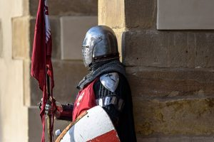 城門に佇む騎士