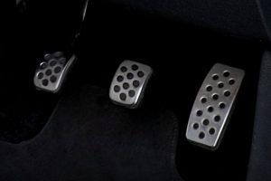金属製ペダル