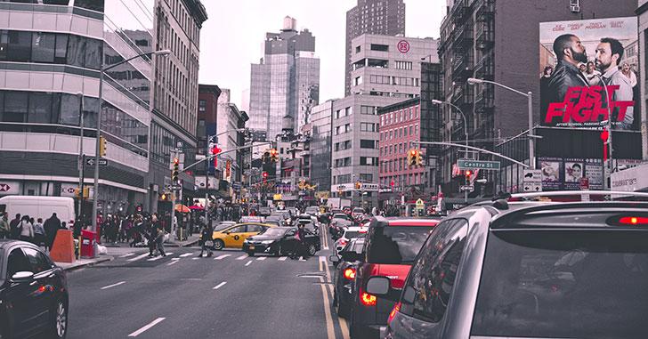 赤信号で渋滞