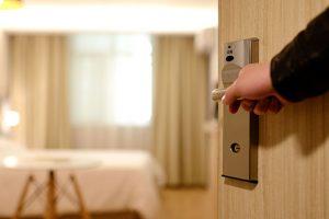 ホテルのドア