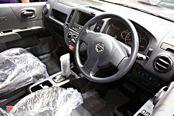 日産NV150ADの内装