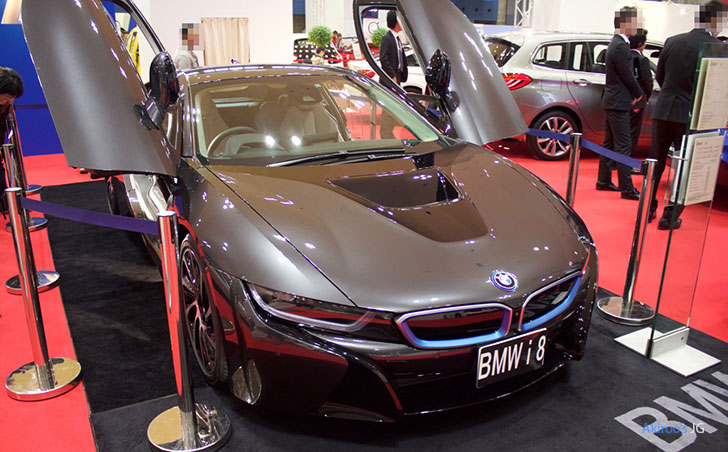 BMW i8のフロント