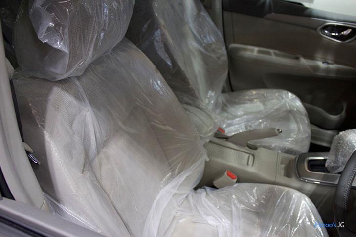 3代目日産シルフィのフロントシート