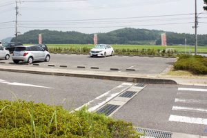 道路脇の駐車場