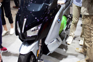 BMW C evolutionのフロント