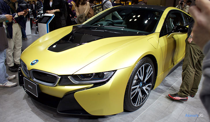 BMW i8 Protonic Frozen Yellowのフロント