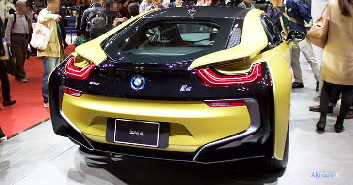 BMW i8 Protonic Frozen Yellowのリア