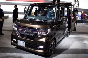 新型 ホンダ N-BOX カスタム G L ターボのフロント