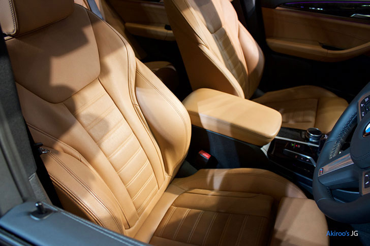 BMW X3シリーズ X3 xDrive20d M Sportのフロントシート
