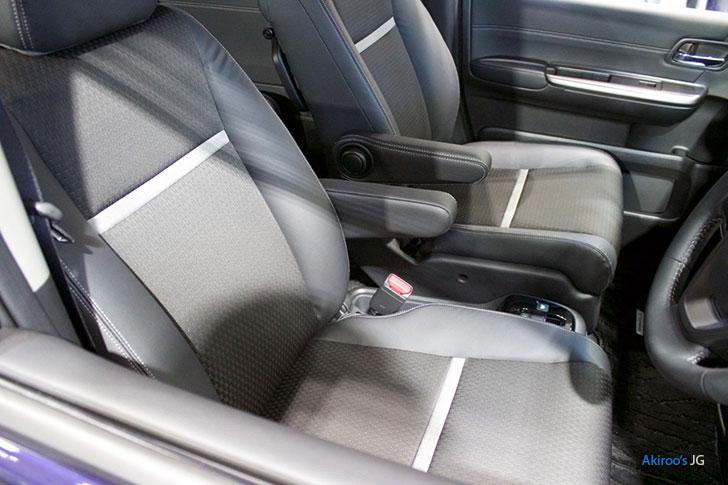 ホンダ ステップワゴン スパーダ ハイブリッドのフロントシート