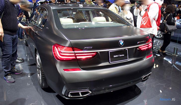 BMW 7シリーズ M760Liのリア