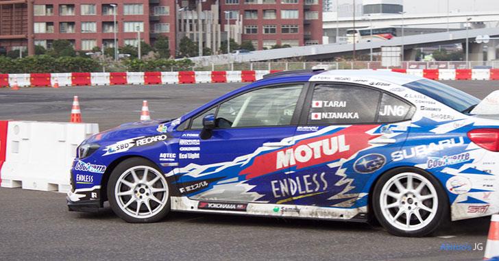 富士スバル・アライスポーツWRXのサイド