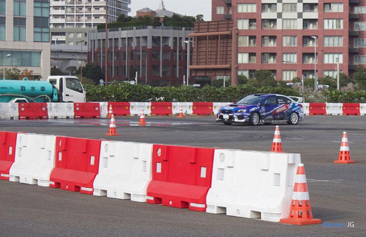 富士スバル・アライスポーツWRXのスラローム