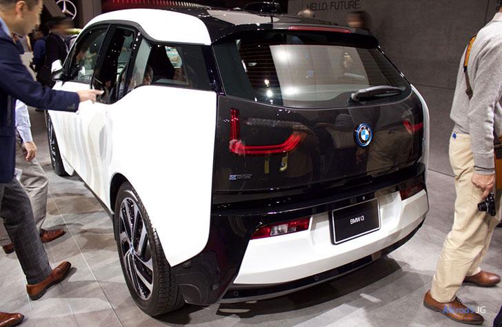 「BMW i3 SUITE レンジ・エクステンダー装着車」の外観