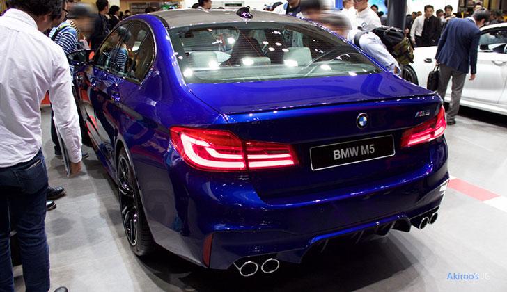 BMW M5のリア