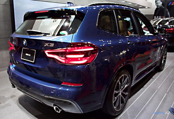 「BMW X3」のリア