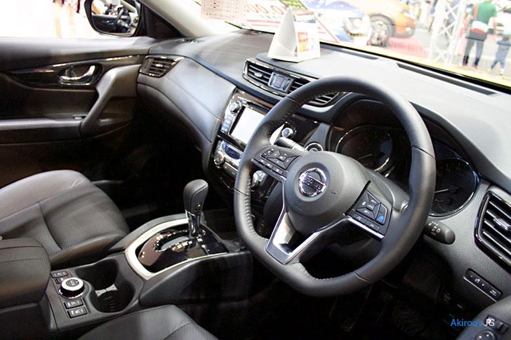 日産 エクストレイル 20X 4WDの内装