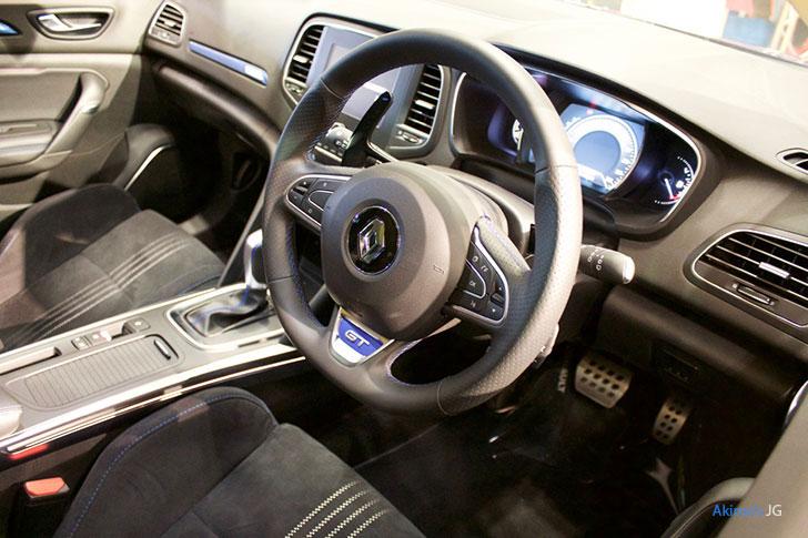 ルノー・メガーヌ GTの内装