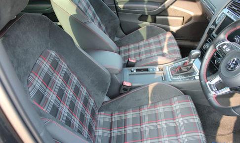 VW ゴルフ GTIのシート