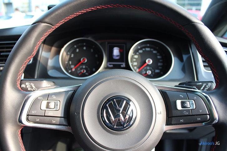 VW ゴルフ GTIのステアリング