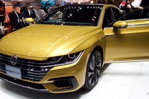 VW アルテオンのフロント