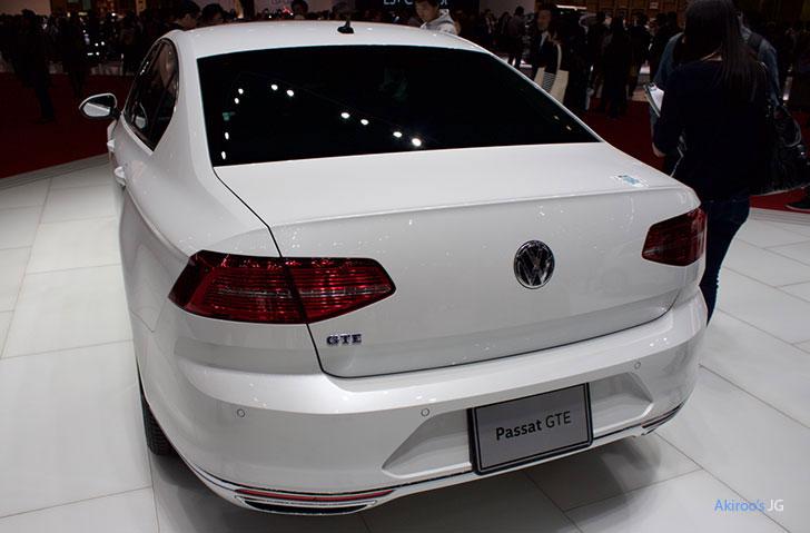 「VW Passat GTE Advance」のリア