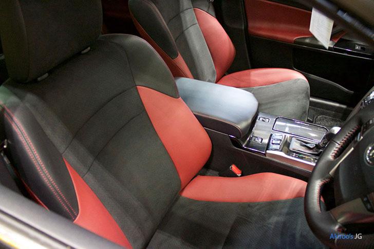 トヨタ・マークX 250 RDSのシート