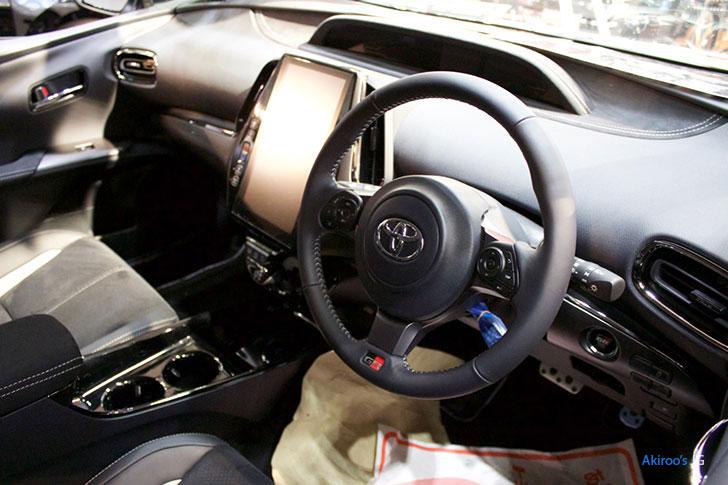 トヨタ プリウス PHV S GR SPORTの内装