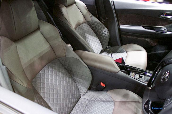 トヨタ C-HRのフロントシート