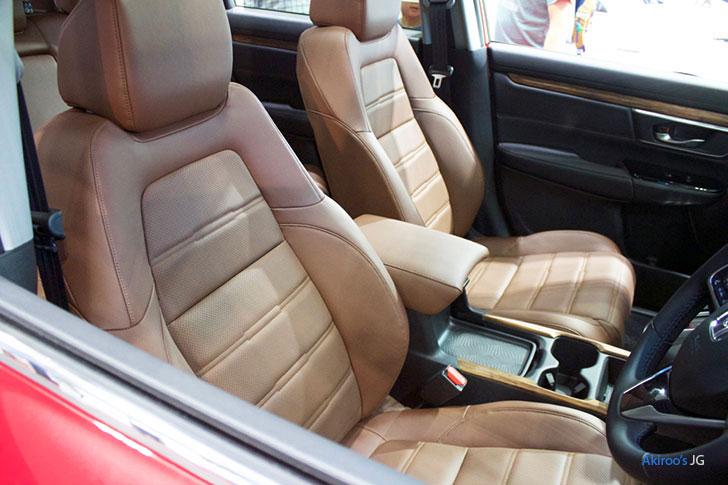 ホンダCR-Vのフロントシート