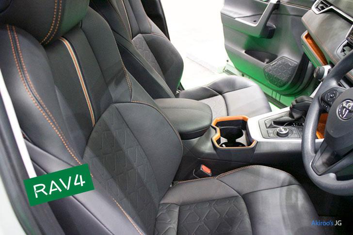 トヨタ・RAV4のフロントシート